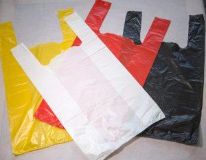 Полиэтиленовый пакет майка красного цвета с ручками. Заказать оптом у производителя.