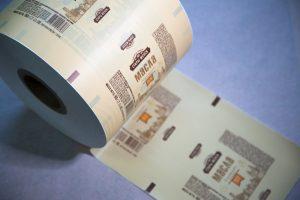 Пример полимерной бумаг и FPO-PE с логотипом от Белоруского производителя ПластикПак